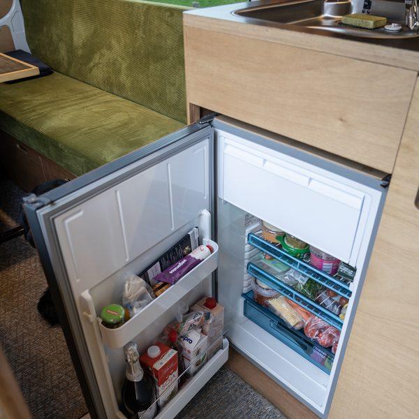 keukenblok open koelkast