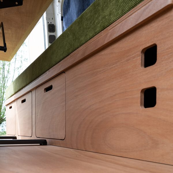 devantast bed bank tafel panelen stopcontact2